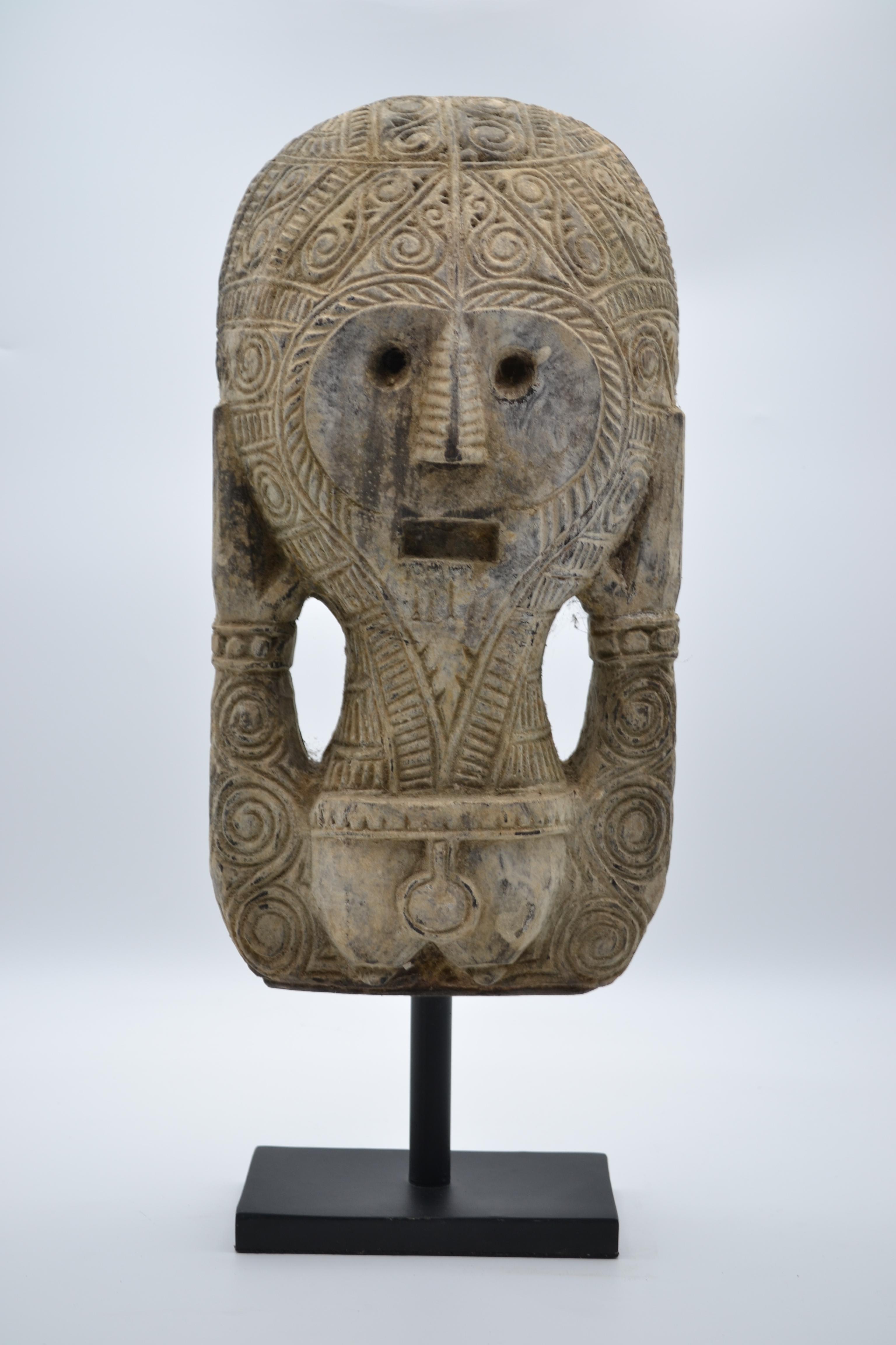 Masque Timor sur socle 1